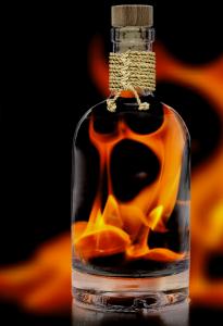 Brand Feuer entfacht Zündung gezündet brennen drauf sein
